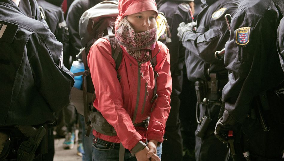 """Demonstrantin der Blockupy-Bewegung: """"Wir haben unser Ziel erreicht"""""""