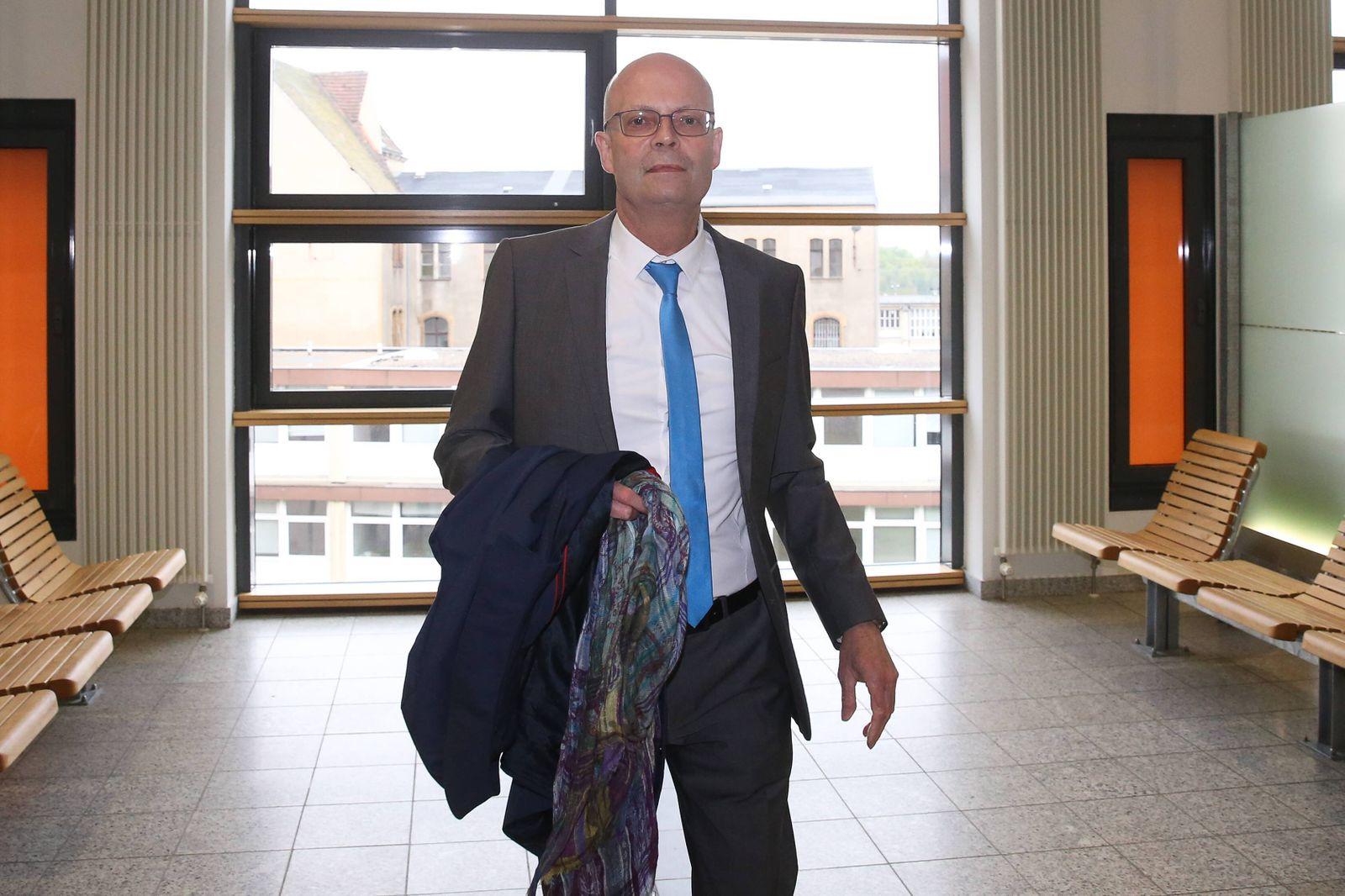 Oberbuergermeister Dr. Bernd Wiegand (parteilos,Halle Saale,Sachsen Anhalt) - Prozess am Landgericht in Magdeburg Sachs