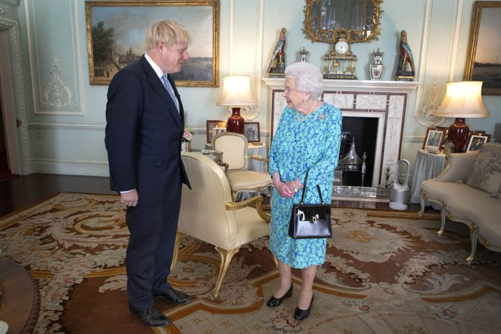 Boris Johnson und die Queen