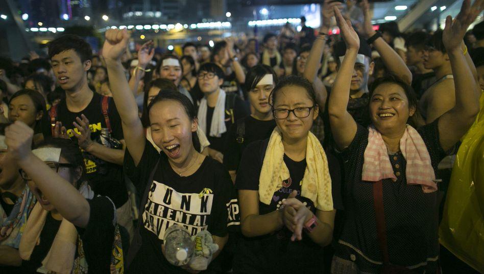Demonstranten in Hongkong: Massenkundgebung zum Nationalfeiertag