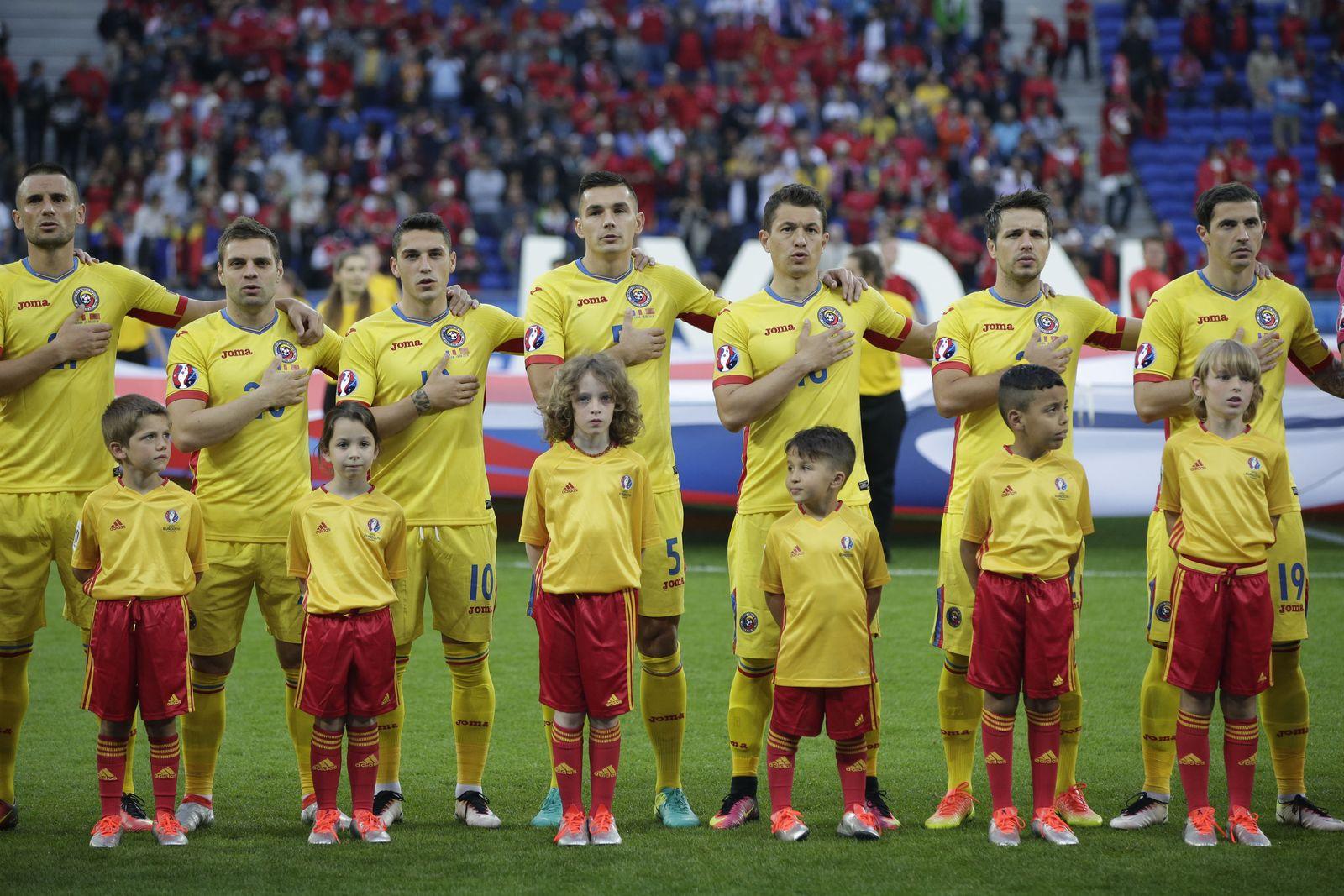EURO 2016 / Nationalhymne / Einlaufkinder / Rumänien