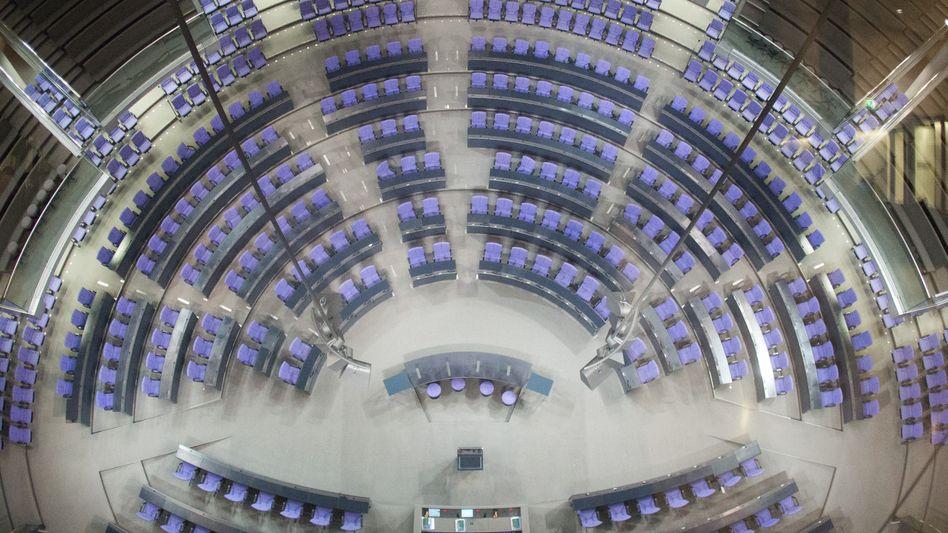 Leeres Plenum im Bundestag