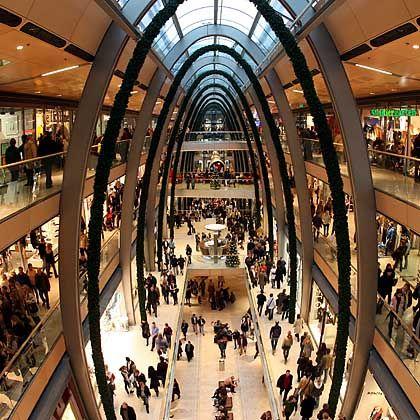 Einkaufspassage (in Hamburg): Erfreuliches Niveau bei Konjunktur- und Einkommenserwartung
