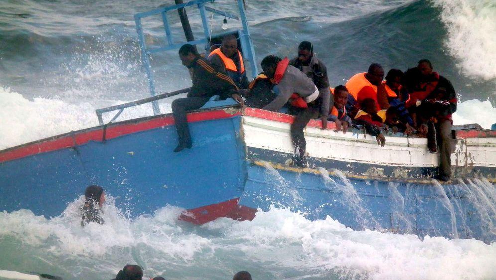 Flüchtlinge aus Libyen: Gefährliche Überfahrt