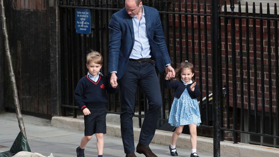 """Prinz William mit George und Charlotte (Archiv): """"Sie sind dann sehr interessiert"""""""