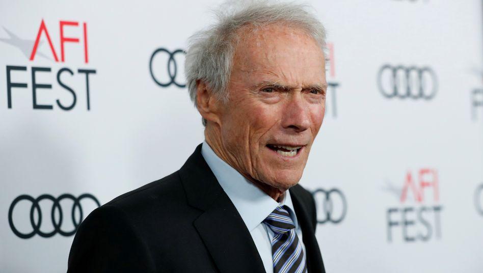 Clint Eastwood ist offenbar gerade auf Drehortsuche: Er soll an einem Film arbeiten, der auf einem Buch von N. Richard Nash basiert