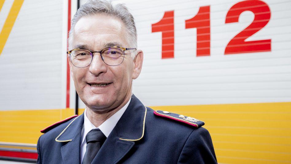"""Hartmut Ziebs (Archivbild): """"Rechtsnationale haben ein starkes Interesse an der Feuerwehr"""", sagte er kürzlich im SPIEGEL-Interview"""