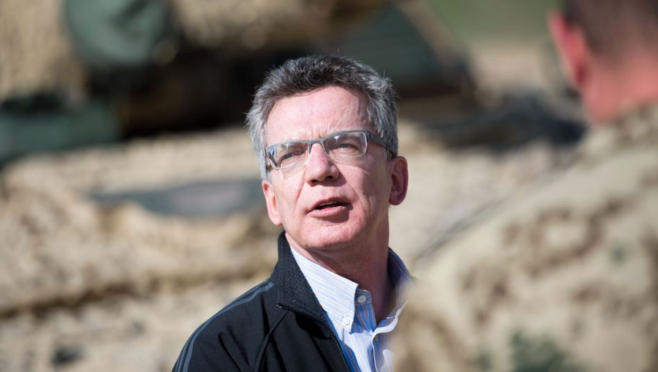 """Verteidigungsminister de Maizière: """"In dieser Legislaturperiode wird es keine Bitte an den Bundestag geben"""""""