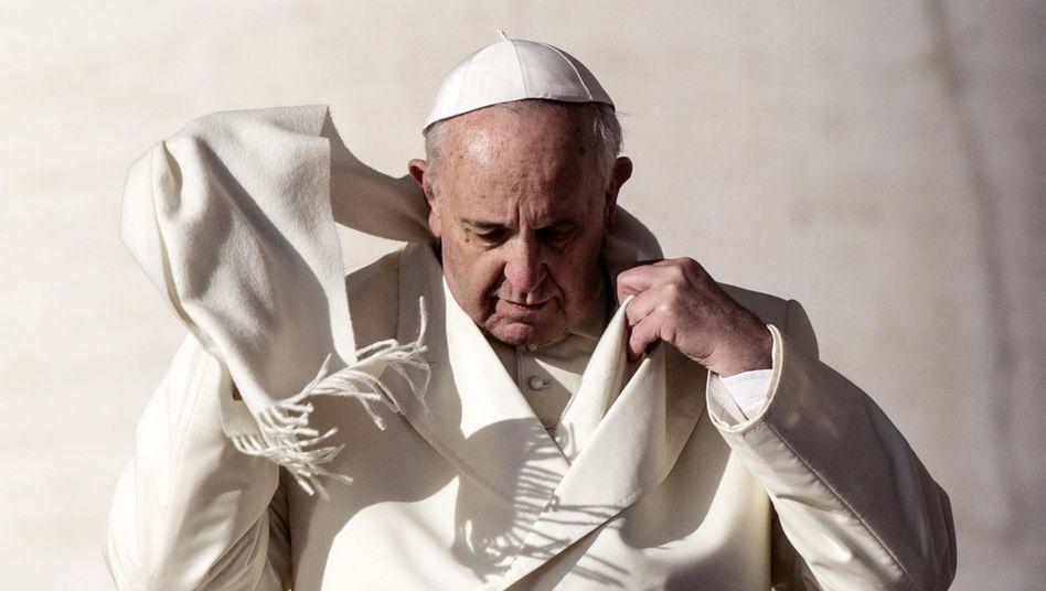 Papst Franziskus: Reaktion auf konservative Stimmen