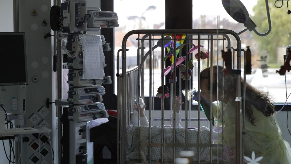 Kinderklinik in Brüssel: Dürfen unheilbar kranke Kinder sterben?