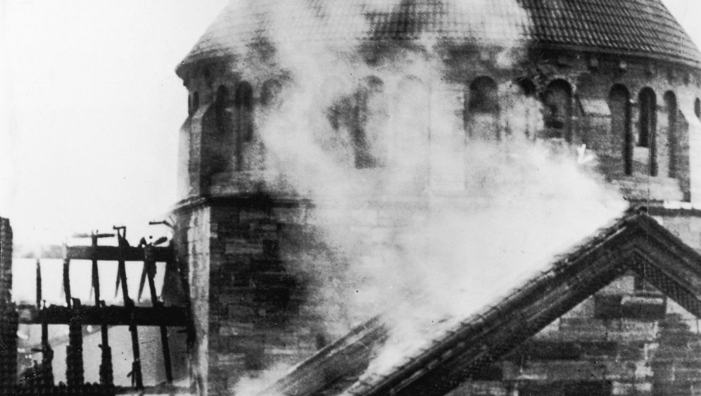 Photo Gallery: Diplomatic Accounts of Kristallnacht