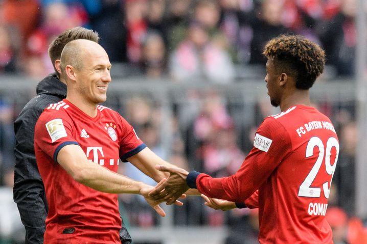 Kingsley Coman verlässt für Arjen Robben das Spielfeld