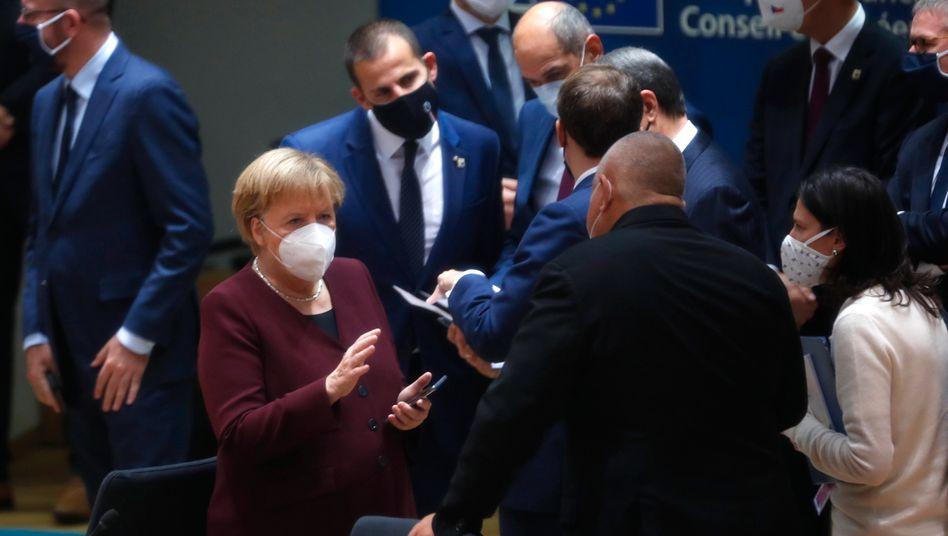 Bundeskanzlerin Angela Merkel mit Bulgariens Premier Boyko Borissov beim EU-Gipfel in Brüssel