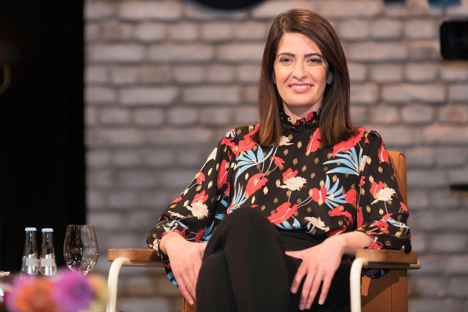 3nach9 Talkshow im Bild: Linda Zervakis Tagesschau-Sprecherin Linda Zervakis. Die Hamburgerin mit griechischen Wurzeln b