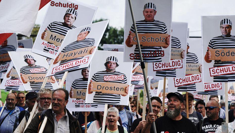 Demonstranten gegen die Corona-Maßnahmen in Berlin am vergangenen Wochenende