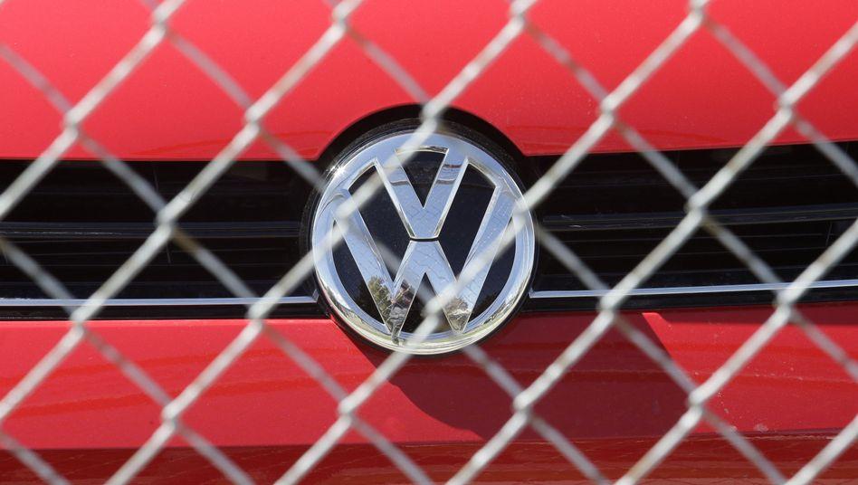 VW hinter Sicherheitszaun: Rückrufaktion geplant