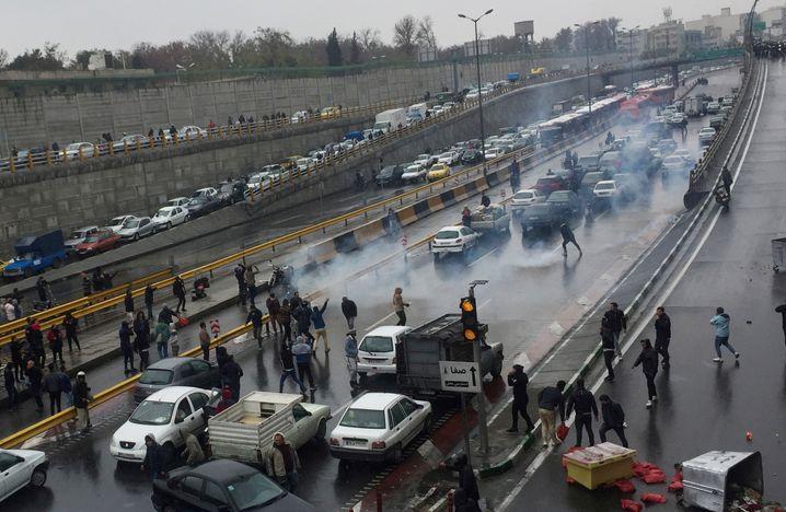 Proteste in Iran gegen die Benzinpreiserhöhungen im November 2019