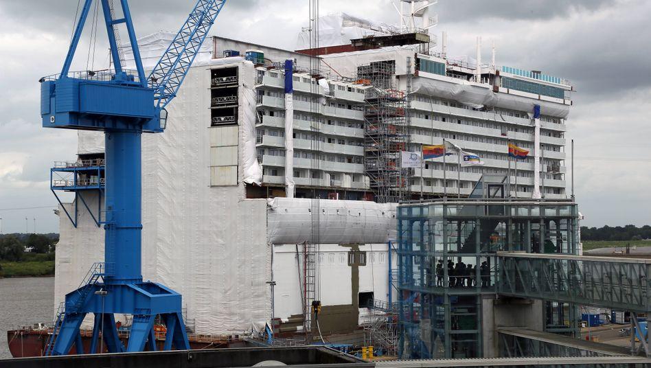 Dieses Foto stammt aus Zeiten vor der Coronakrise: das Hafenbecken der Meyer Werft Papenburg