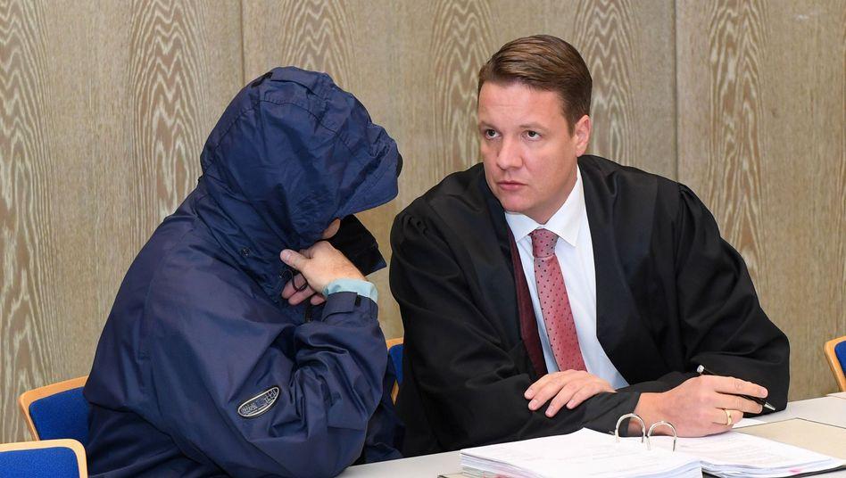 Angeklagter Johann R., Verteidiger Steffen Lindberg: Voll geständig