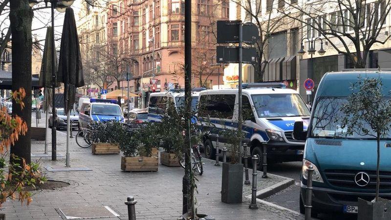 Einsatz in Frankfurt am Main: Verdacht auf Einschleusung