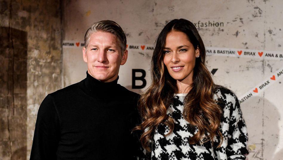 """Bastian Schweinsteiger und Ana Ivanovic auf der Fashion Week in Berlin: """"Du musst auch an schöne Outfits denken"""""""