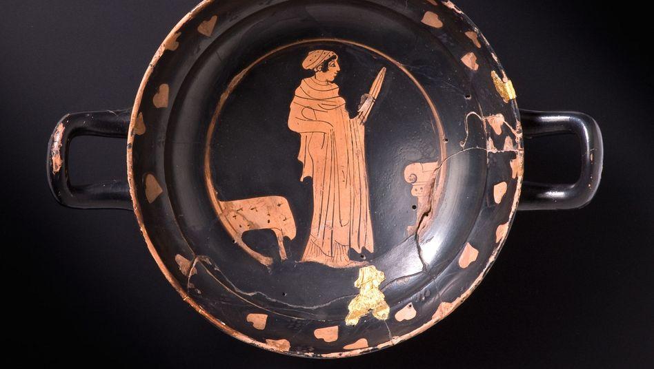 """Attische Trinkschale aus Keramik mit Goldauflage: """"Das war eine Zeit des Wandels"""""""