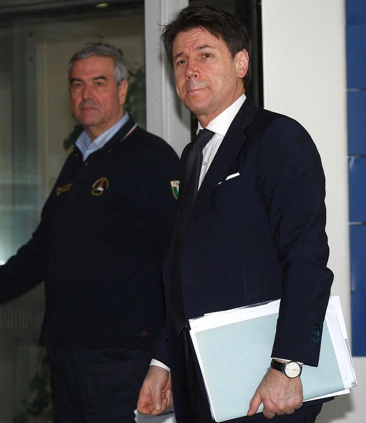 Giuseppe Conte (r.): Krankenhaus in der Lombardei hat Vorschriften nicht befolgt