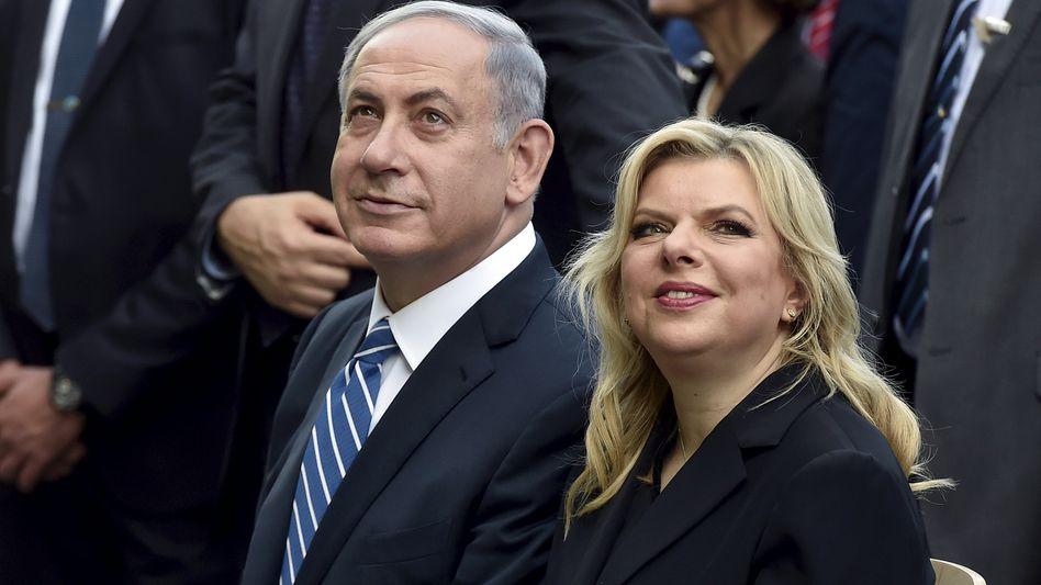 Sara Netanyahu mit Ehemann Benjamin Netanyahu (Archivaufnahme)