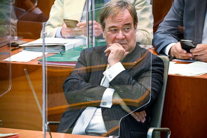 """""""Es ist eine Abwägung erforderlich"""", sagte Armin Laschet im Landtag über die Maßnahmen"""