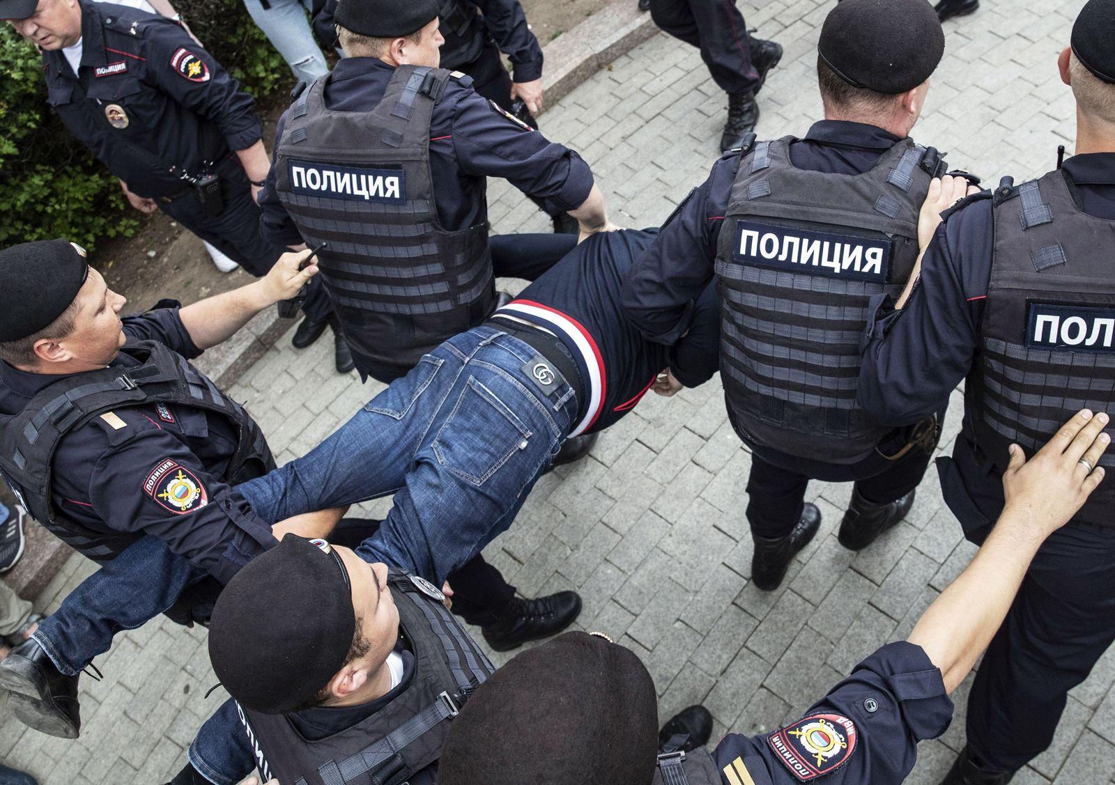Moskau/ Festnahmen