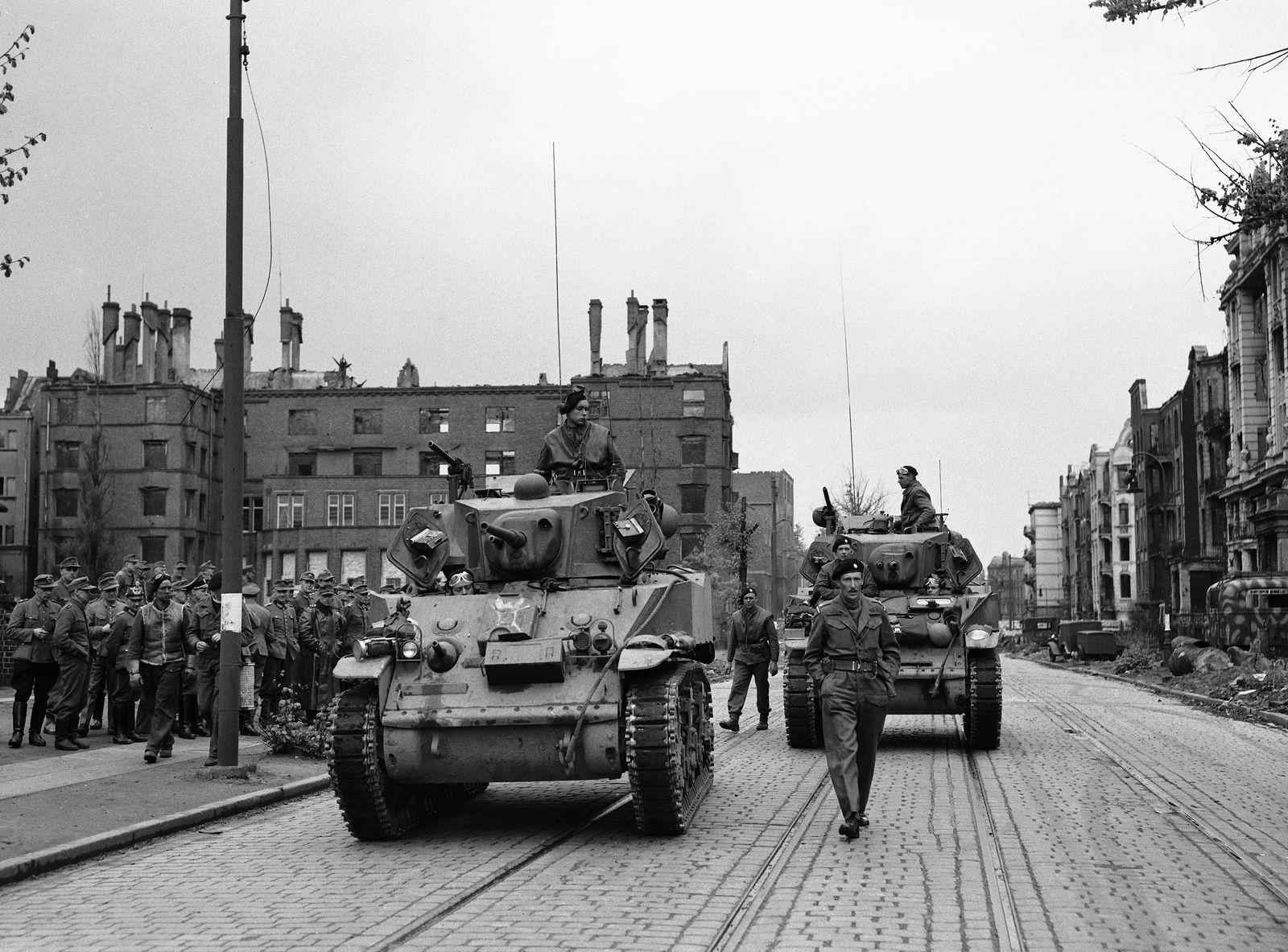 WWII GERMANY HAMBURG 1945