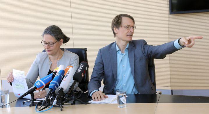 SPD-Politiker Nina Scheer und Karl Lauterbach