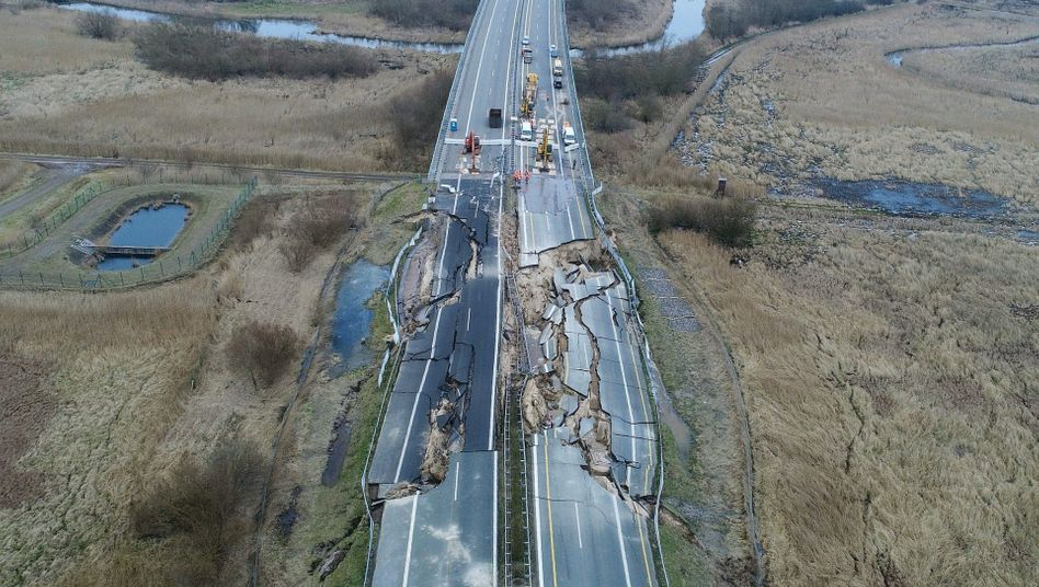 Abgesackte Autobahn 20 bei Tribsees in Mecklenburg-Vorpommern
