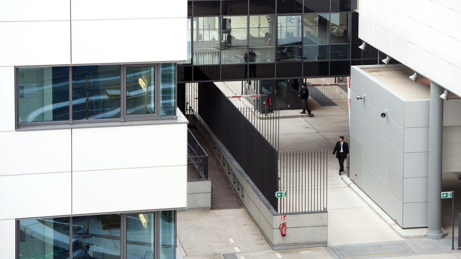 BND-Zentrale in Berlin: 3500 Agenten könnten enttarnt sein
