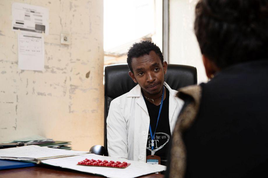 Habtamariam Nigatu betreut Tuberkulose-Patienten am Filipos Krankenhaus in Addis Abeba