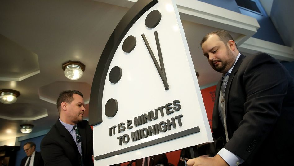 """Doomsday Clock"""