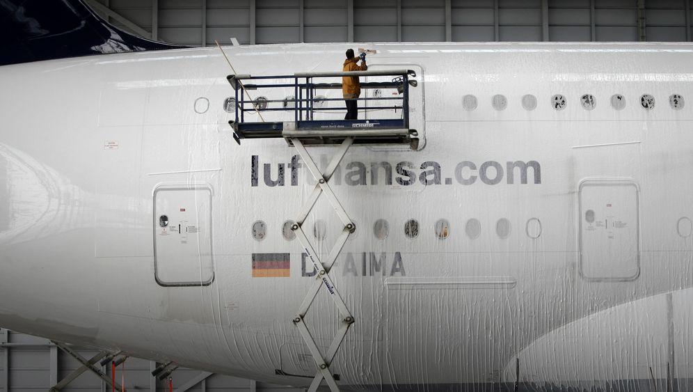 Knochenjob Flugzeugwäscher: Schrubben, bis der Kranich glänzt