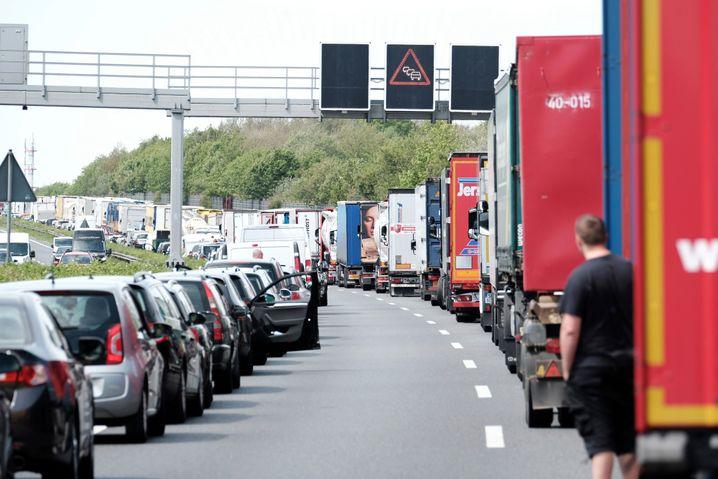 Rettungsgasse auf der Autobahn 2 in Hannover