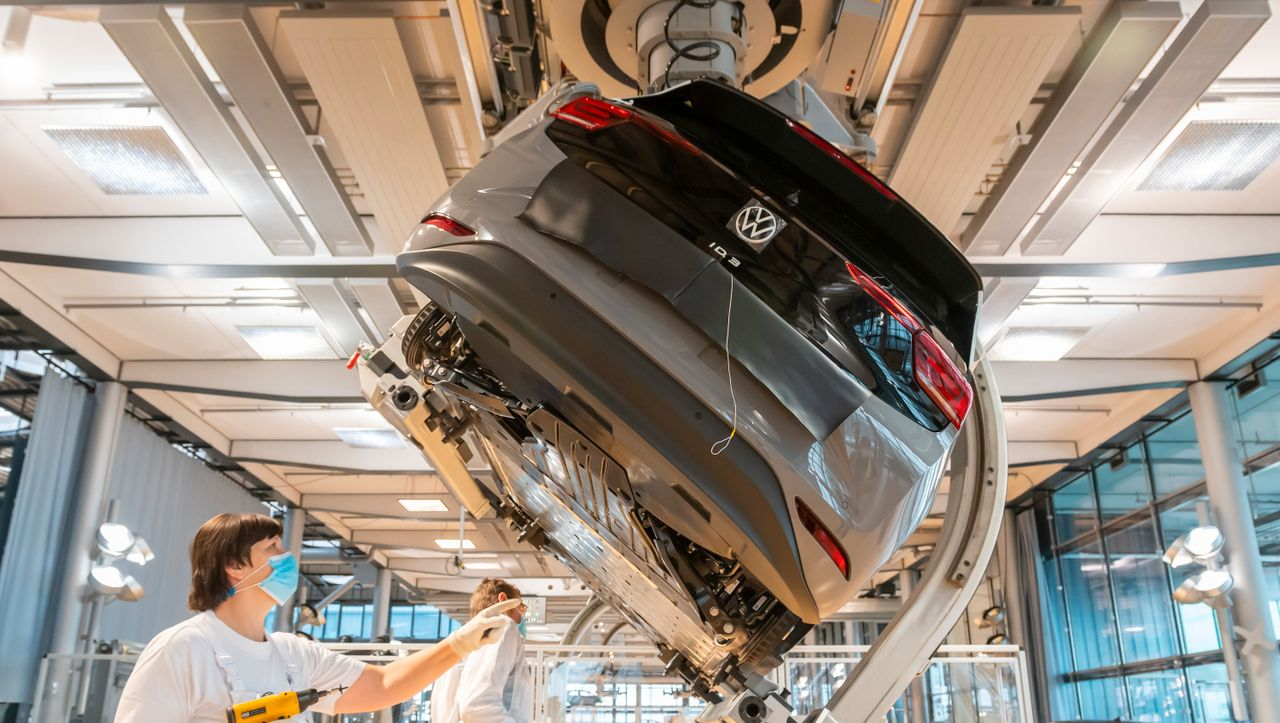 Softwareprojekt: VW arbeitet mit Microsoft an selbstfahrendem Auto - DER SPIEGEL