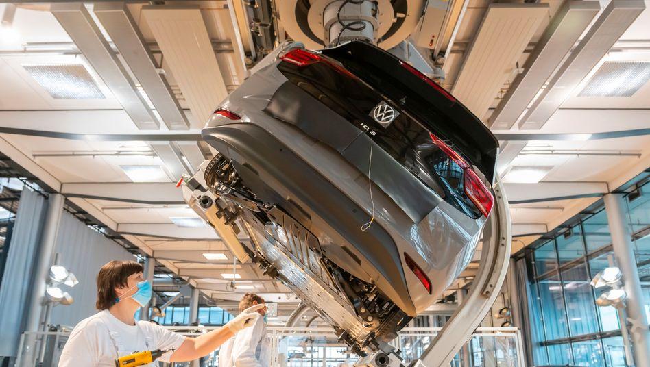 Fertigung des ID.3 von VW in Dresden: Microsoft hat als einer der wenigen Tech-Riesen kein eigenes Autoprojekt