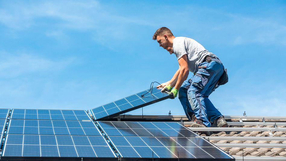 Installation einer Solaranlage: »Nicht abwarten und dann Trippelschritte gehen, sondern zupacken und den Turbo anwerfen«