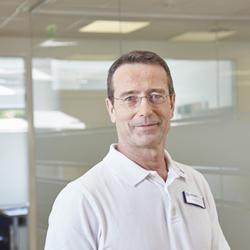 Matthias Riedl, 57, ist Facharzt für Innere Medizin sowie Gründer und Leiter des Medicum Hamburg, der größten Spezialpraxis für Diabetes und Ernährungsmedizin in Deutschland. Er engagiert sich auch im Vorstand des Bundesverbands der Deutschen Ernährungsmediziner (BDEM).