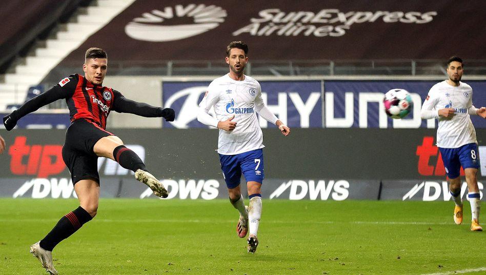 Kam, traf und siegte: Luka Jović (l.)