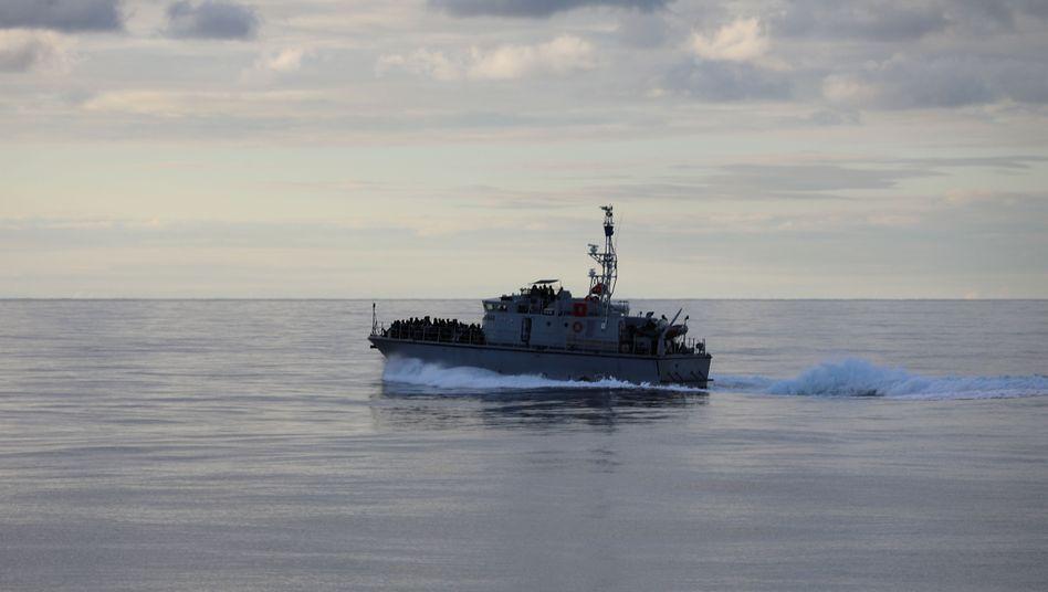 Libysche Küstenwache rettet Flüchtlinge