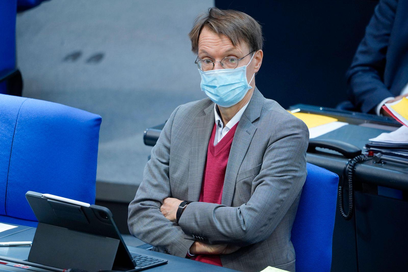 180. Bundestagssitzung im Reichstag in Berlin Aktuell, 01.10.2020, Berlin Prof. Dr. Karl Lauterbach im Plenum bei der Ha