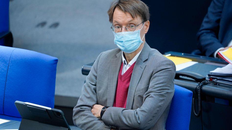 Karl Lauterbach (im Oktober im Bundestag): »große Zurückhaltung«