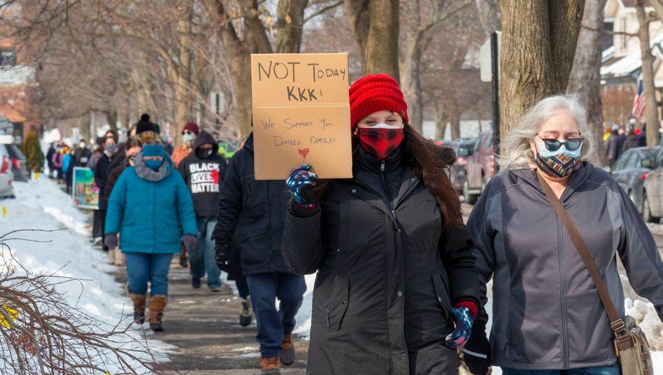 Solidaritätsaktion mit der betroffenen Familie in der Stadt Grosse Pointe Park im Februar