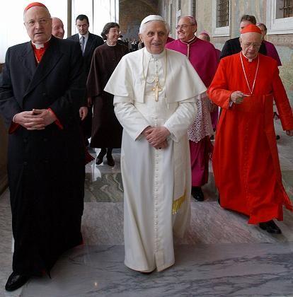 Benedikt XVI.: Verstimmt über Golf-Auktion