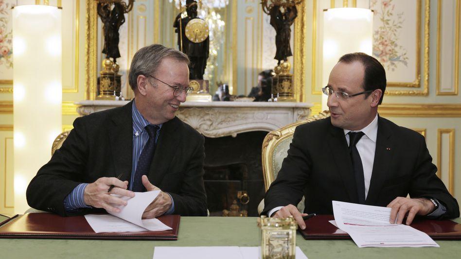 "Google-Boss Schmidt (l.), Frankreichs Präsident Hollande: ""Historisches Abkommen"""