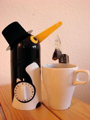 Teaboy: Der Küchen-Helfer aus Solingen zieht Teebeutel rechtzeitig aus der Tasse